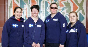 Nathalie Séguin (Québec), Sabrina Pilon (Longueuil), Nancy Morin (Longueuil) de l'équipe québécoise de goalball acompagnées de Lydia Beaulieu (Entraîneure-adjointe).