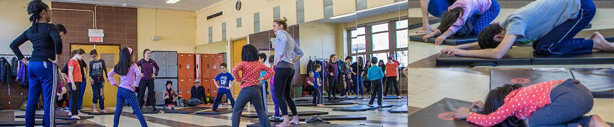 """Les participants au programme """"Du Sport pour moi"""" dans leur première séance de Yoga."""