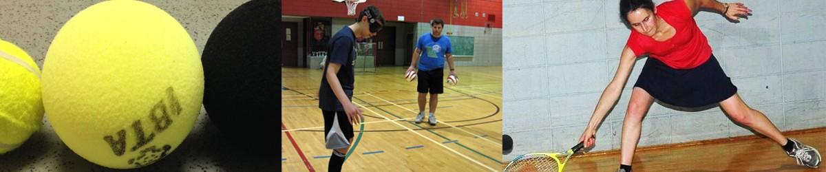 Photo composition de trois images: des balles de tennis sonore, deux joueurs de cécifoot dans une pratique et une dame est en position pour frapper la balle dans un match de tennis sonore.