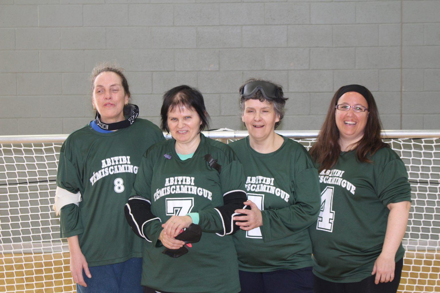 L'équipe féminine de l'Abitibi représentait le Québec au championnat de l'est du Canada, catégorie récréative. De gauche à droite: Nathalie Chartrand, Guylaine Malenfant, Marie-Anne Pétrin et Kathy Beaumier, entraîneure.