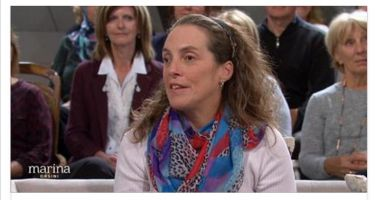 Image de Nathalie Chartrand, directrice de l'ASAQ lors de l'entrevue à l'émission de Marina Orsini sur ICI Radio-Canada Télé.