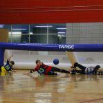 Équipe de Montréal qui tente de bloquer le ballon.