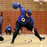 La Longueuilloise Nancy Morin pour l'équipe Al-Qc lance le ballon.