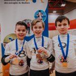 Les joueurs de l'équipe Furax de Granby avec leurs médailles.