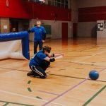 Ludovic en position se prépare pour bloquer le ballon.