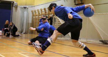 Josué Coudé de l'équipe du Québec fait un lancer.