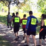 Photo de groupe - Ludovic, sa soeur Coralie, Bernard (père à Ludo), Bruno et Nathalie en train de courir le parcours de 1 km.