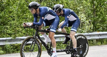 Daniel Chalifour et son pilote Jean-Michel Lachance en pleine course. CRÉDIT-PHOTO : CANADIAN CYCLIST