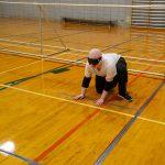 2. Jonathan se prépare à recevoir le ballon.