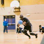 TIGM2019- Un joueur des Titans a le ballon entre les mains.