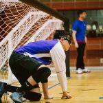 TIGM2019-Un joueur des Crown est seul sur le terrain et attend le ballon.