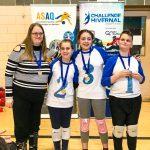 20. Tournoi de mini-goalball Mars 2019 - L'équipe des Griffons avec leurs médailles d'or, Roxanne l'entraîneure, Oyana, Gabrielle et Ludovic.