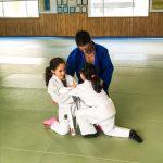 Du sport pour moi! Montréal - Judo. Rym et Sarah en combat avec l'aide de Stéphane.
