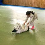 Du sport pour moi! Montréal - Judo. Rym qui traverse en tirant sa soeur Sarah.