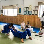 Du sport pour moi! Montréal - Judo. Vincent et Stéphane font une démonstration sous le regard des jeunes.