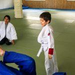 Du sport pour moi! Montréal - Judo. Yacine qui a réussi à faire basculer Stéphane.