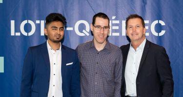 Rakibul Karim, Matthieu Croteau-Daigle et Éric Meunier, directeur du jeu responsable et de l'engagement sociétal chez Loto-Québec.