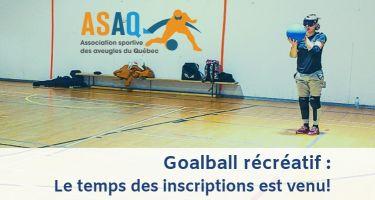 Goalball récréatif de l'ASAQ: Équipe de Braxton, Nathalie et Raphaëlle, qui est debout et a le ballon.