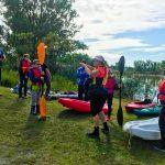 DSPM-Montréal-Automne 2019-Mayak. Danielle donne des explications aux jeunes.