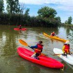 DSPM-Montréal-Automne 2019-Mayak. Marc-Antoine, Clovis, Meryk, tous en mayak et Simon l'instructeur en kayak, prêts pour l'excursion.