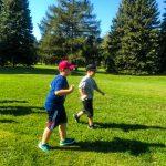Programme DSPM Montréal-Athlétisme. Marc-Antoine et Gabriel court l'un à côté de l'autre.