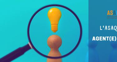 Logo ASAQ. Image d'une loupe avec une icône d'une personne et une icône d'une ampoule. Texte : L'ASAQ recrute - Agent(e) de projet.